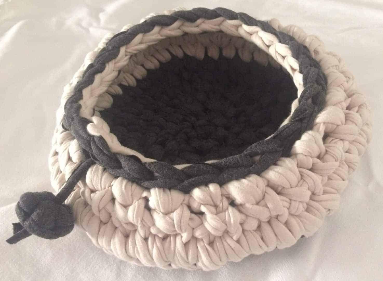 Cama hecha a mano en algodón para gatos y perros pequeñps